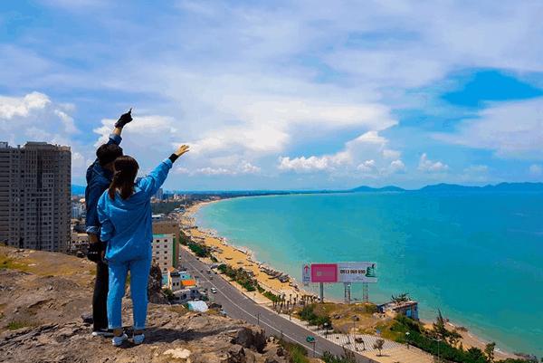 Tận hưởng hương vị biển và ngắm nhìn thành phố