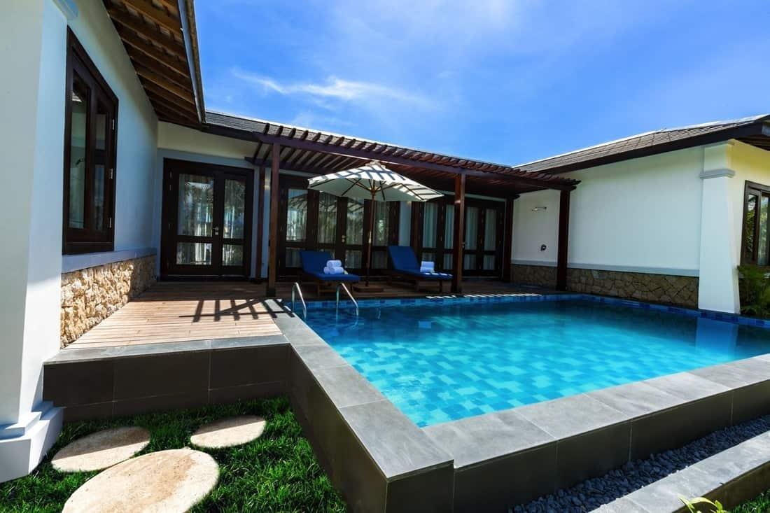 Bể bơi riêng tại Duyên Hà Resort