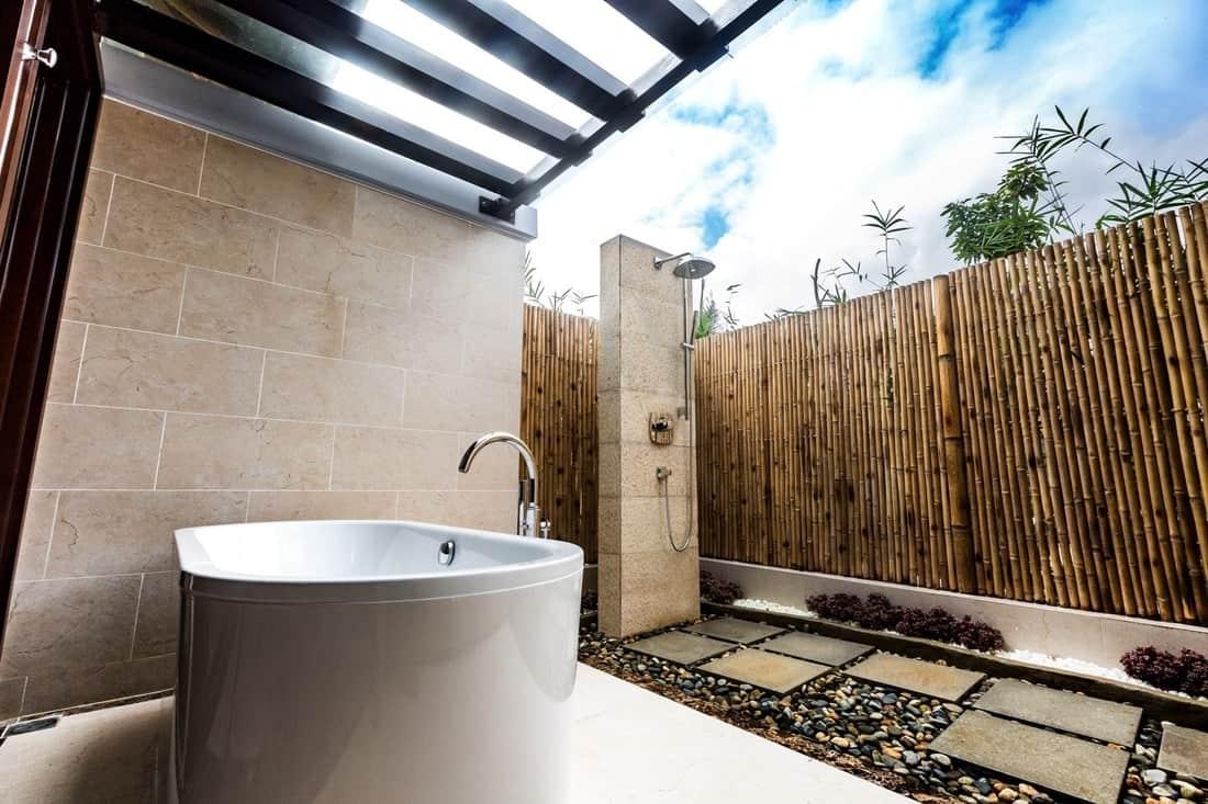 Khu bồn tắm riêng tại Duyên Hà Resort