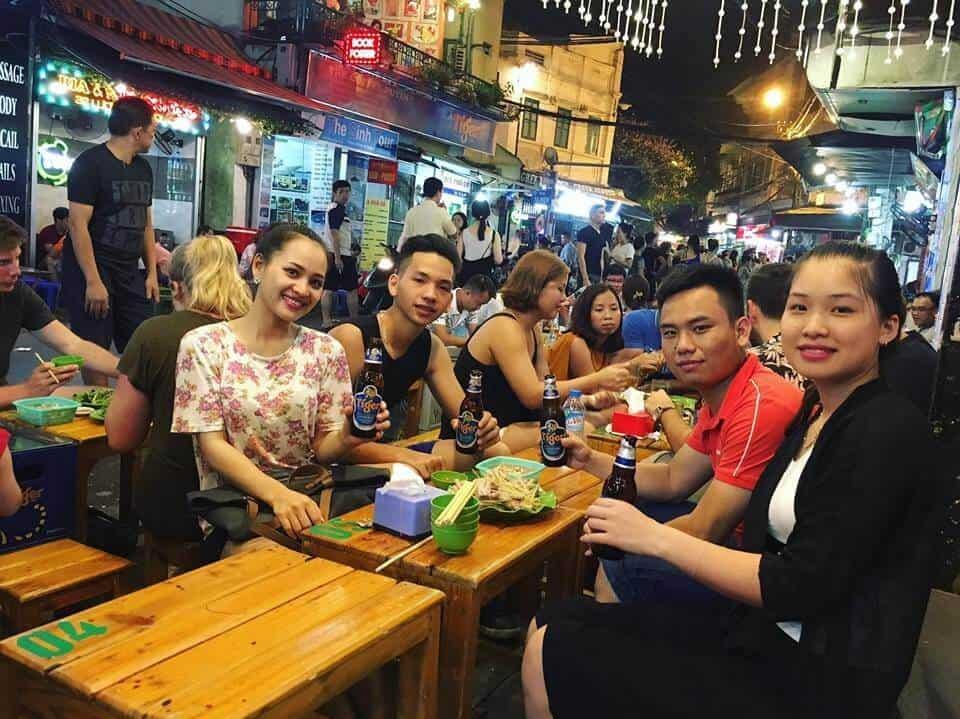 Hẹn hò ở phố cổ Hà Nội