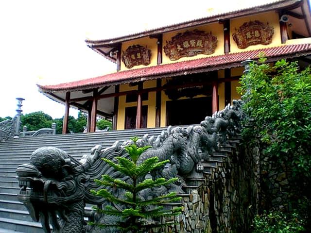 Tạo tác hình Rồng thời Nguyền - Thiền viện Trúc Lâm Bạch Mã