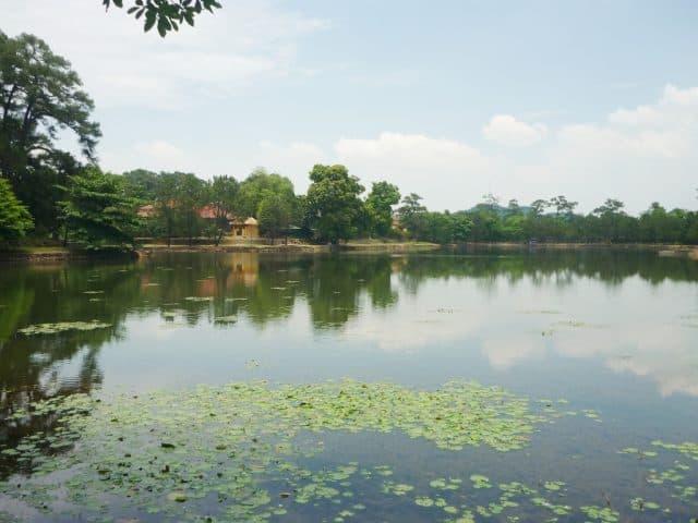 Hồ Tân Nguyệt - thuộc Lăng Minh Mạng