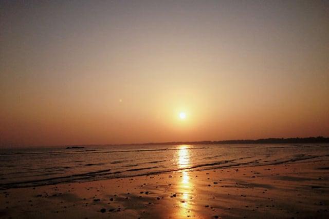 Hoàng hôn trên biển Sầm Sơn