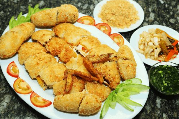 Món ăn gà bó xôi là lựa chọn của nhiều thực khách khi tới Sài Gòn nghỉ dưỡng