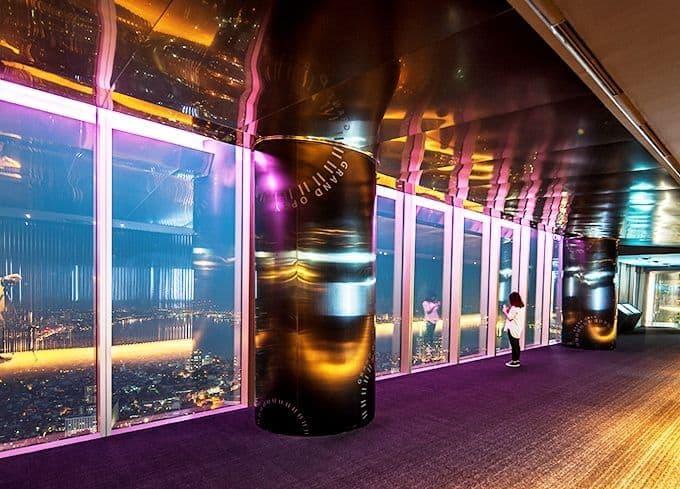 Không gian hẹn hò lãng mạn ở Lotte Sky Walk