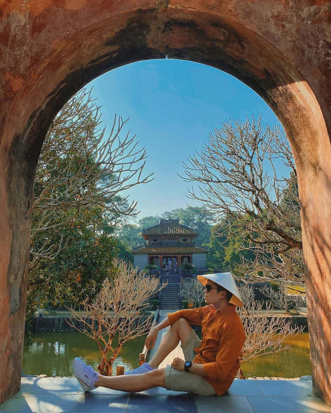 Lăng Minh Mạng một chiều thu. Ảnh: @duong_tuan