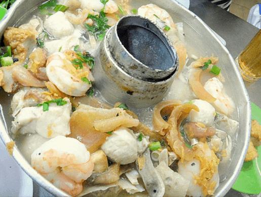 Lẩu cá là một trong những món ăn ngon nức tiếng ở Sài Gòn