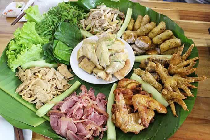 Ăn trưa với mẹt gà 7 món ở Sành quán