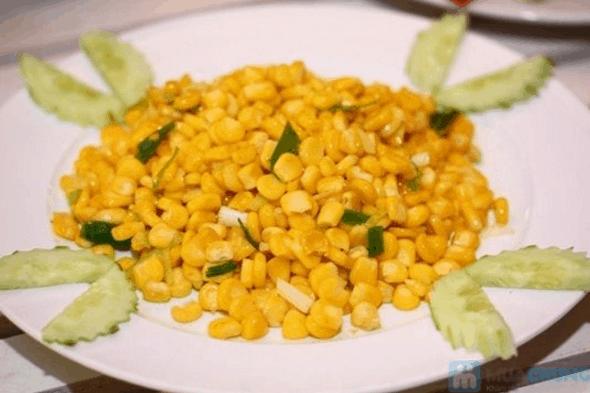 Bắp xào là một trong những món ăn vặt ngon ở Sài Gòn (Ảnh ST)