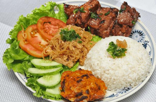 Ăn món cơm tấm giúp bữa trưa Sài Gòn của bạn thêm ngon miệng
