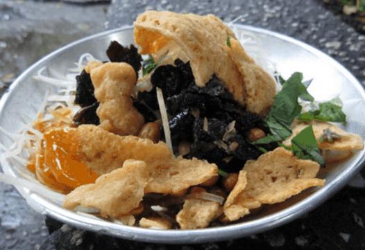 Gỏi khô bò là món ăn vặt nổi tiếng từ lâu ở Sài thành (Ảnh ST)