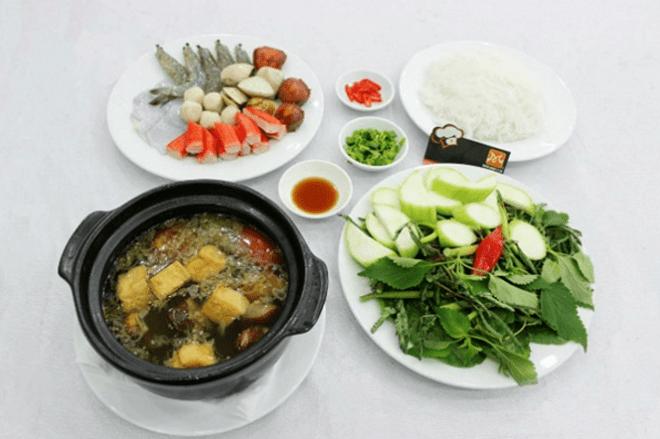 Món lẩu cua đồng giúp bữa ăn tối Sài Gòn thật hấp dẫn