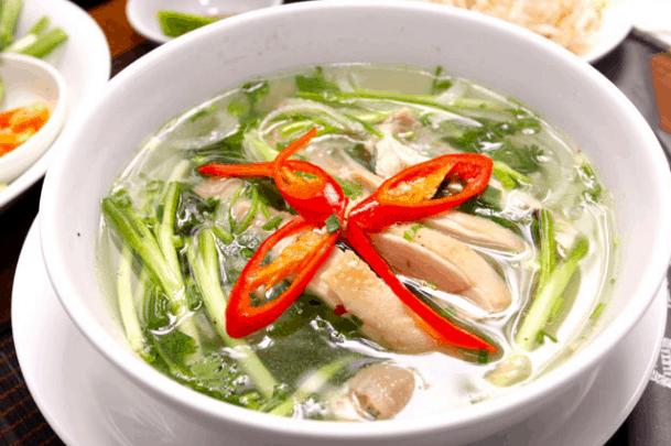 Món miến măng gà là lựa chọn của nhiều người trong bữa trưa Sài Gòn