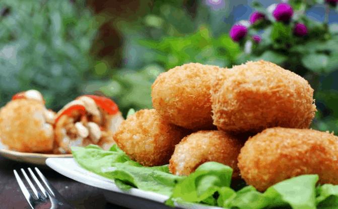 Gà bó xôi ở Sài Gòn là một món ngon, nổi tiếng