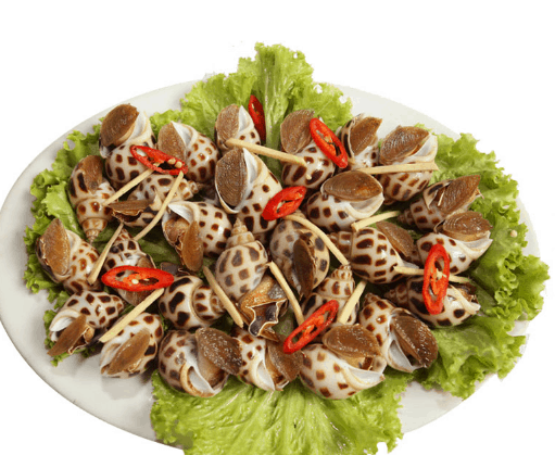 Ốc là một món ăn vặt nức tiếng mà bạn nên thử khi tới Sài Gòn (Ảnh ST)