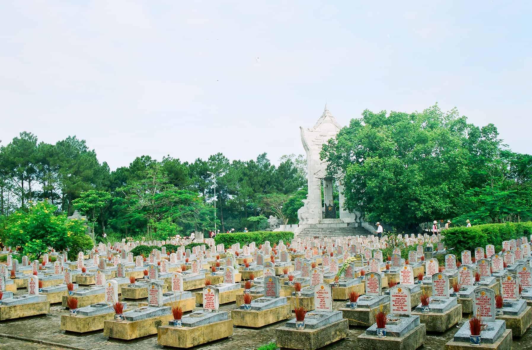 Nghĩa trang liệt sĩ Trường Sơn - địa điểm du lịch Quảng Trị