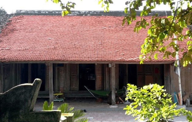 Nhà cổ - thành nhà Hồ