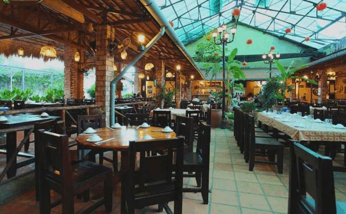Nhà hàng Quê Nhà là một địa chỉ ăn ngon nổi tiếng ở Sài Gòn