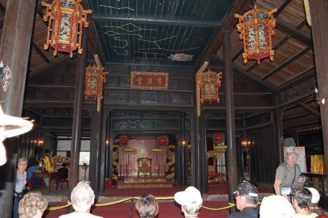 Nhà hát Minh Khiêm - thuộc Lăng Tự Đức