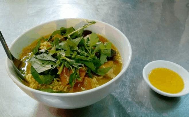 Phá lấu là món ăn ngon nức tiếng mà bạn nên thử khi vào Sài Gòn (Ảnh ST)
