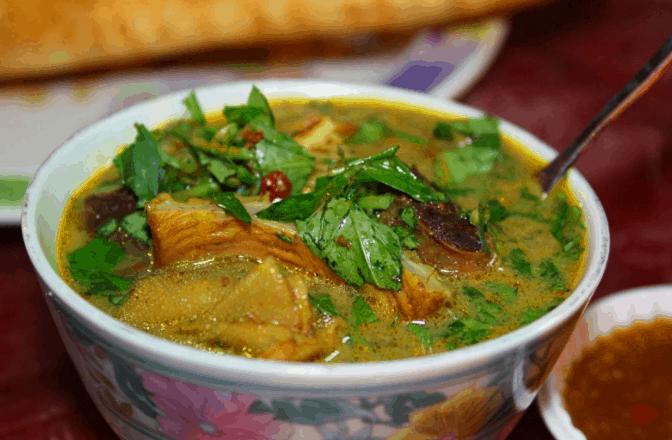 Món phá lấu là món ăn trưa Sài Gòn tuyệt ngon