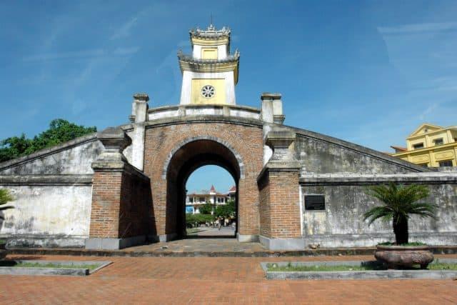 Quảng Bình Quan: du lịch Đồng Hới