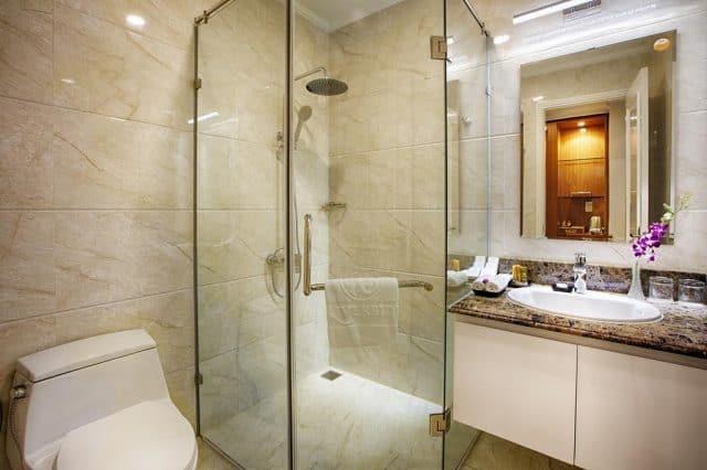 Phòng tắm Khách sạn Riverside Quảng Bình