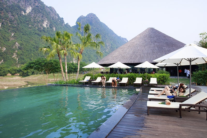 Hồ tắm khoáng tại Serena Resort