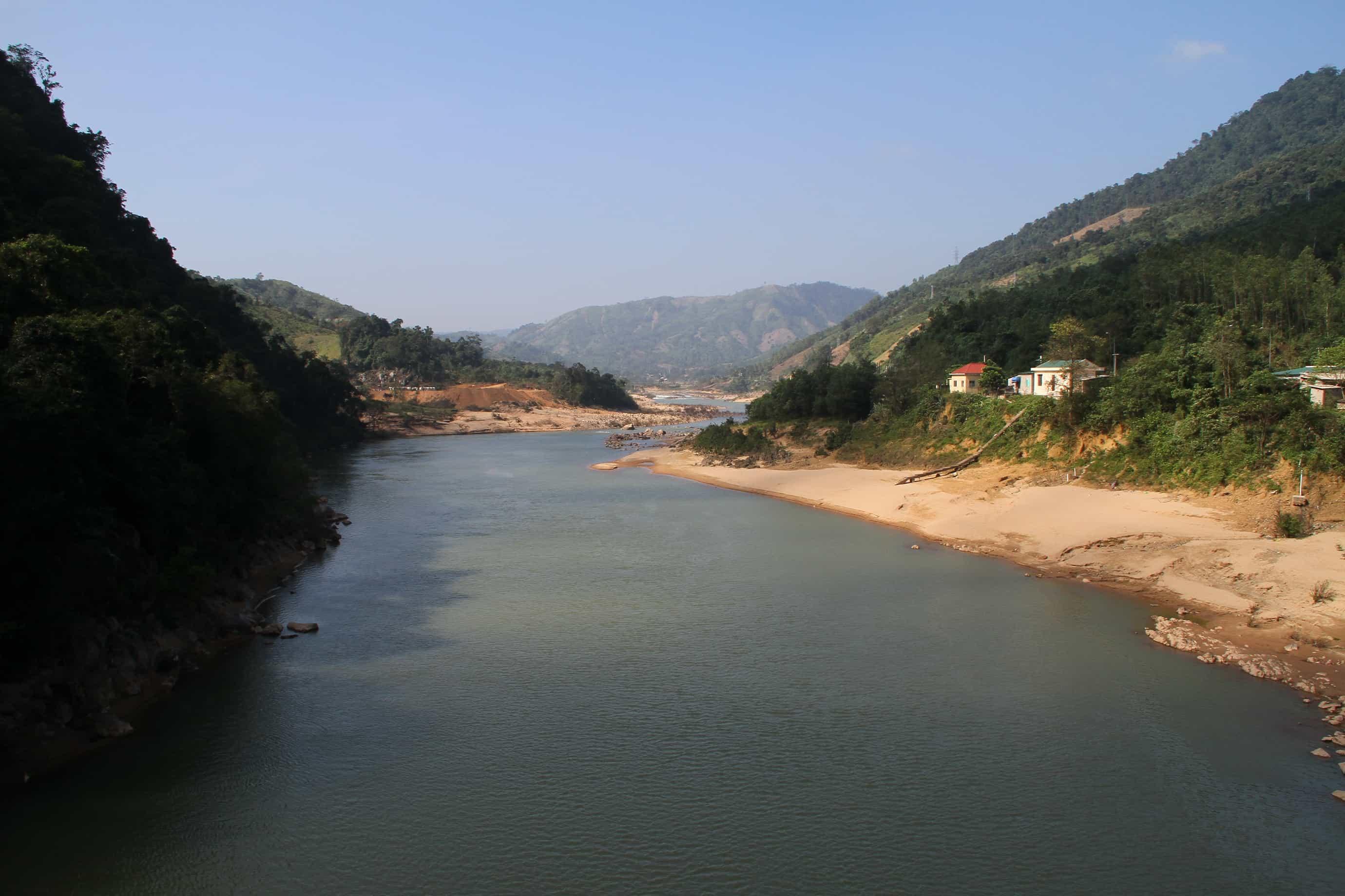 Sông Đakrông- địa điểm du lịch Quảng Trị