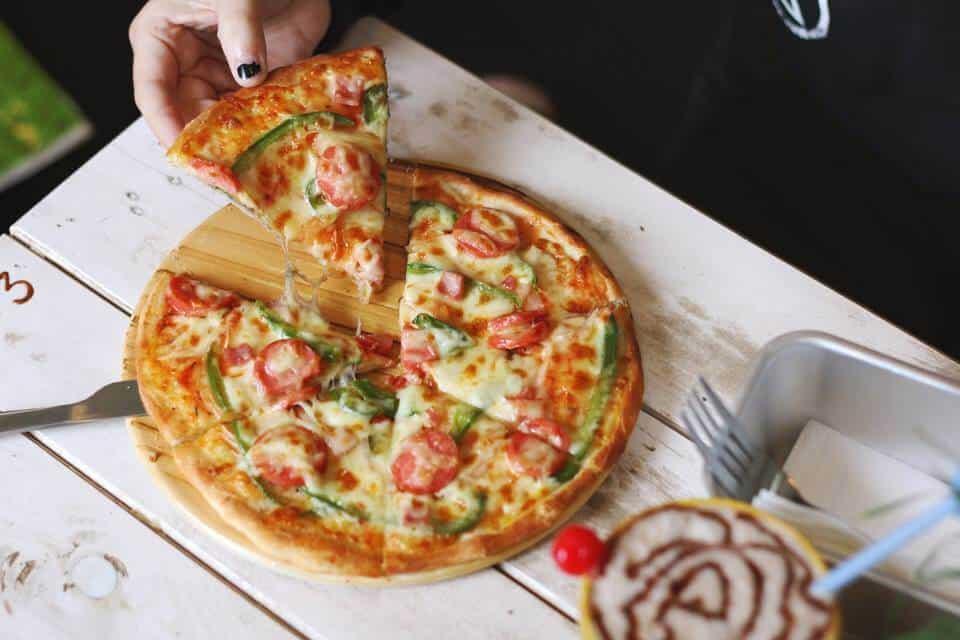 Ăn trưa với pizza tại Spaghetti Box