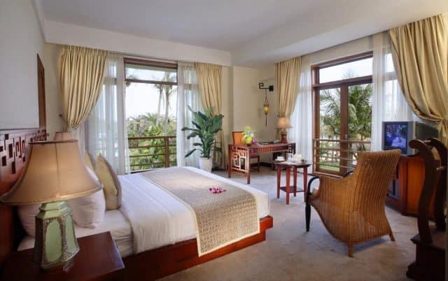 Phòng ngủ tại Sun Spa Resort & Villas
