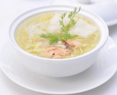 Súp cua là một món ngon mà bạn nên thử khi tới Sài Gòn (Ảnh ST)