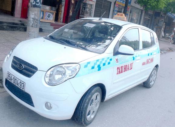 Taxi là phương tiện được nhiều du khách lựa chọn tới địa đạo Củ Chi (Ảnh ST)