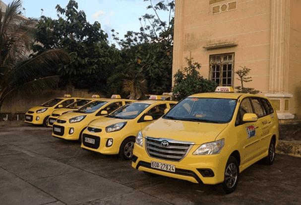 Xe taxi được sử dụng để tới địa đạo Củ Chi (Ảnh ST)