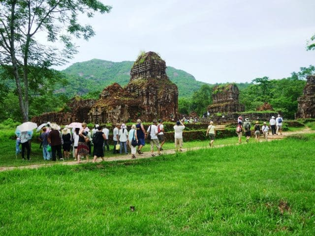 Nơi đây thu hút rất nhiều du khách trong và ngoài nước đến tham quan(Ảnh sưu tầm)