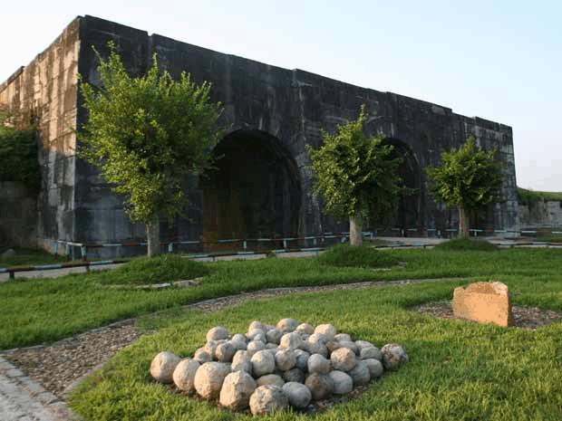 Thành nhà Hồ xứ Thanh - kiến trúc độc đáo 01