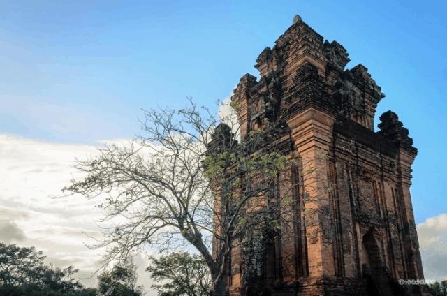 Bản đồ du lịch Phú Yên - Tháp Nhạn