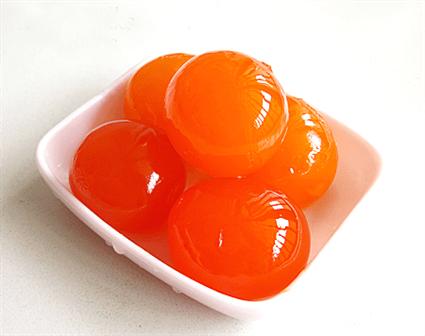 Trứng muối cần được xử lí kĩ để hết mùi tanh (Ảnh sưu tầm)