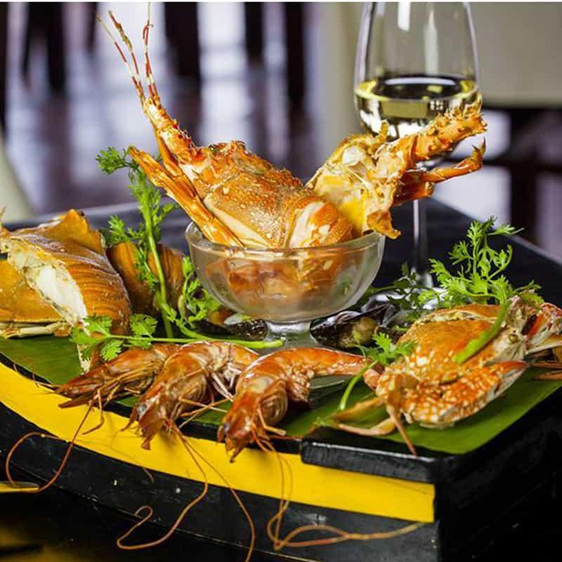 Thưởng thức các món ăn tại Victoria Phan Thiet Beach Resort & Spa