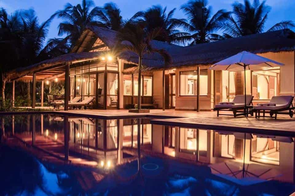 Victoria Phan Thiet Beach Resort & Spa đẹp về đêm