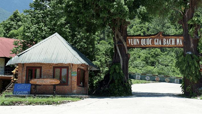 Cổng Vườn quốc gia Bạch Mã - địa điểm du lịch lăng Cô