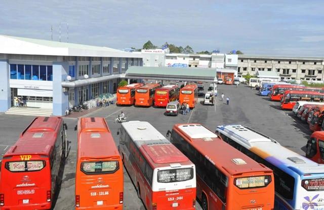 Xe khách là một phương tiện di chuyển từ Sài Gòn đến Rạch Giá (Ảnh: Sưu tầm)