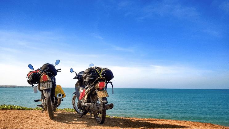 Nhiều bạn sử dụng xe máy để tới đảo Thạnh An (ảnh ST)