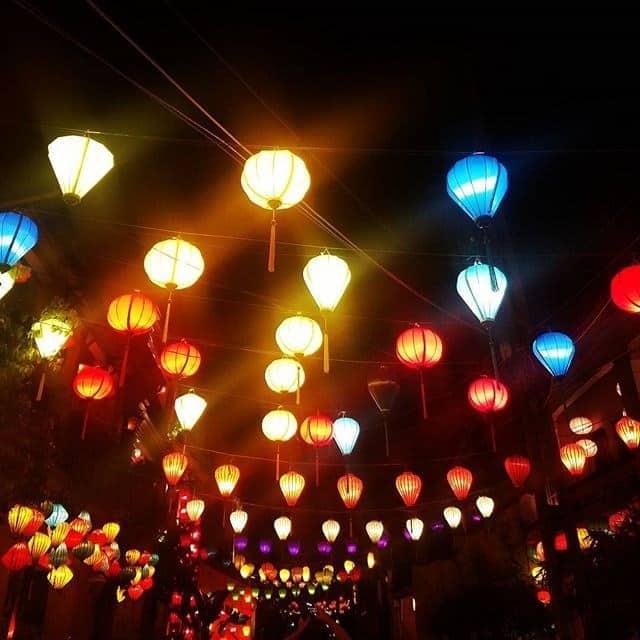 Nhiều đèn lồng ở trong lễ hội (Ảnh ST)
