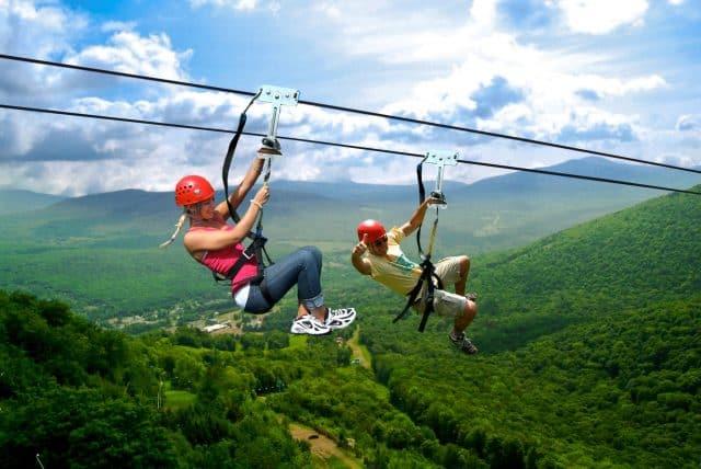 Zipline - trò chơi mạo hiểm ở Khu du lịch Hòa Phú Thành