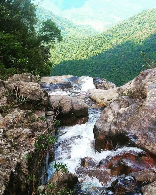 Thác Đỗ Quyên ở dãy núi Bạch Mã 01