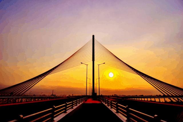 Cầu Trần Thị Lý trong buổi chiều hoàng hôn