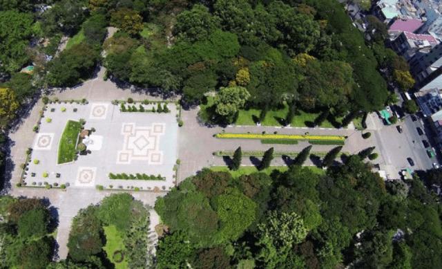 Dạo chơi công viên Lê Văn Tám - Không gian xanh giữa lòng Sài Gòn