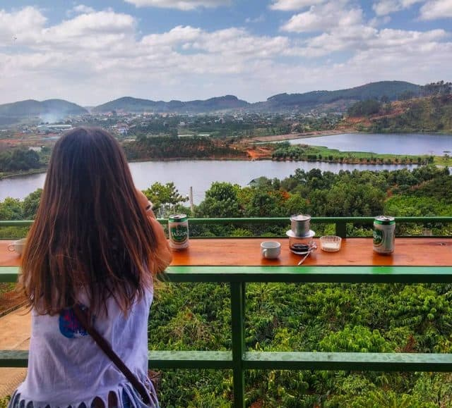 Mê Linh Coffee Garden với view nhìn ra xa