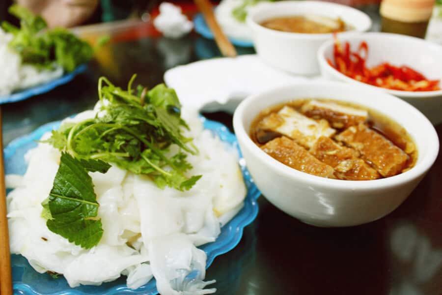 Bánh cuốn bà Hoành - địa điểm ăn sáng ngon ở Hà Nội